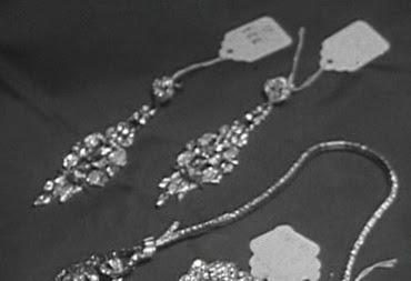 planując ślub zadbaj o detale - eleganckie ślubne kolczyki